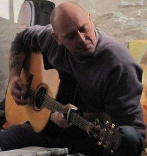 jonathan-taylor-brittunculi-guitar